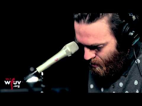 "Chet Faker - ""I'm Into You"" (Live at WFUV)"
