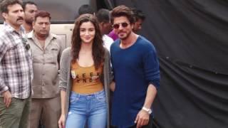 Shah Rukh Khan might start an all new 'Red Chillies Restaurant GOSSIP