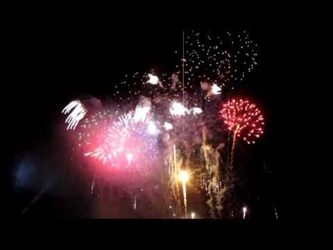 Tết 2011 in Cao Lãnh City, Đồng Tháp, Việt Nam and Firework Showcase (HD!)