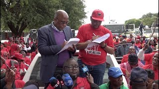 NEHAWU General Secretary Zola Sephetha handed over a memorandum to Minister Aaron Motsoaledi in Mahikeng today which contained a series of 24 very diverse demands, not limited to just health, but covering various departments in the province. Sephetha made it clear that there would be consequences if their memorandum did not receive a formal response within 24 hours.  Contributor: Louise McAuliffe/EWN