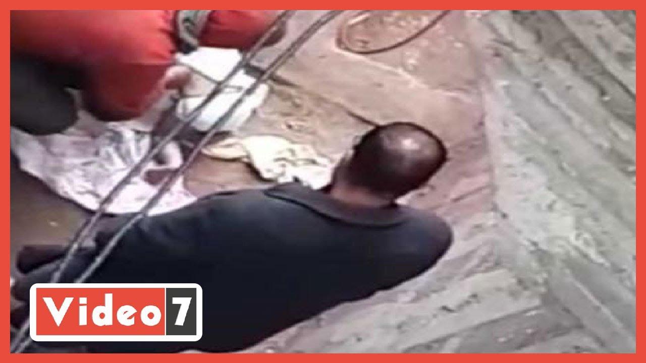 صورة فيديو : النائب العام يأمر بحبس والد رضيعة الدقهلية بعد تجريدها من ملابسها