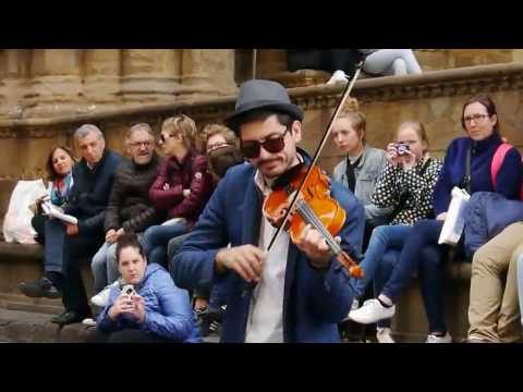 Someone like you  Adele   Street performance in Florence 1942017