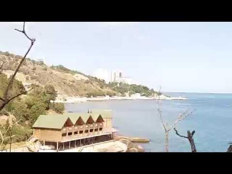 Пляж Графа в Алупке - купальня