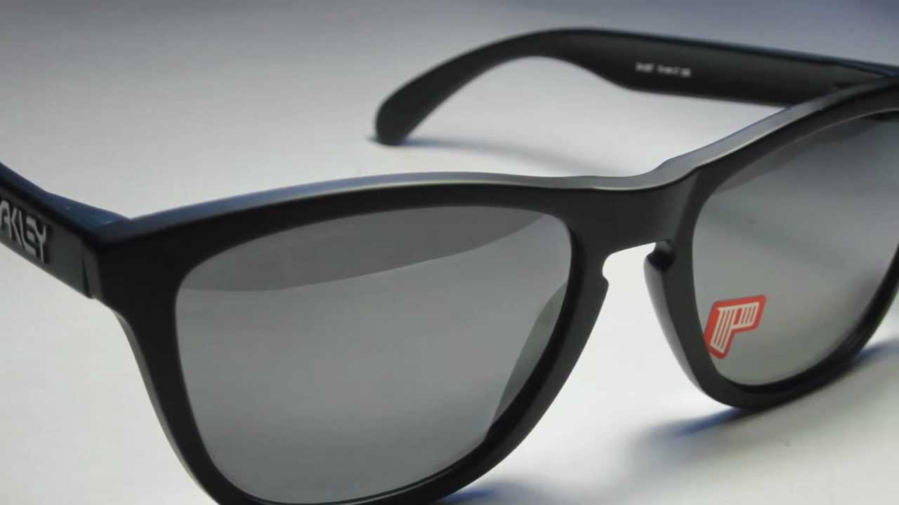dbfde58073 Oakley Frogskins Matte Black Polarized - YouTube