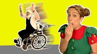فوزي موزي وتوتي - توتي وعامل النظافة - Tutti visits janitor in the hospital