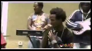 Download Jalqaba Bashule Ft. Jirenya Shiferaw - Nama Namaan [Oromo Music] MP3 song and Music Video