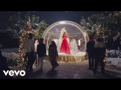 Смотреть клип Lea Michele - Christmas In New York
