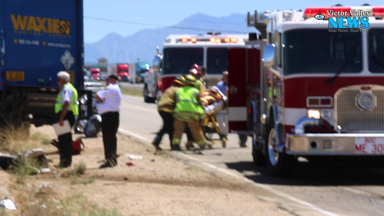Three Car Accident On Mariposa Road In Hesperia Youtube