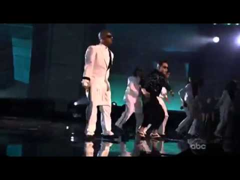 Gangnam Style  and Too Legit To Quit Mashup - PSY & MC Hammer  (2012 American Music Awards)