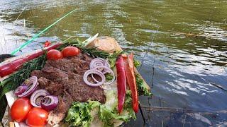 Как жарить мясо без шампуров и мангала Отдых и рыбалка на поплавочную удочку БЕШЕНЫЙ КЛЕВ ПЛОТВЫ