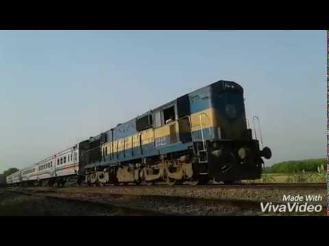 Super fast train in Bangladesh.Rupsha train..High speed train in Bangladesh