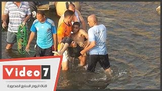 بالفيديو..لحظة انتشال جثة شاب ألقى بنفسه فى النيل من أعلى كوبرى أكتوبر