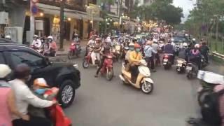 Дороги Хошимина, Вьетнам. Небольшой спокойный перекрёсточек