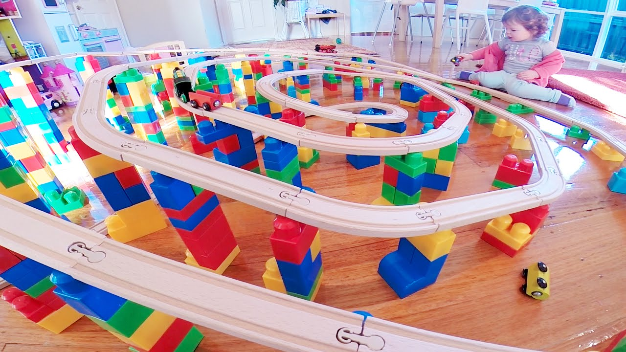 Building Block Spiral Train Set Layout Toy Train Track