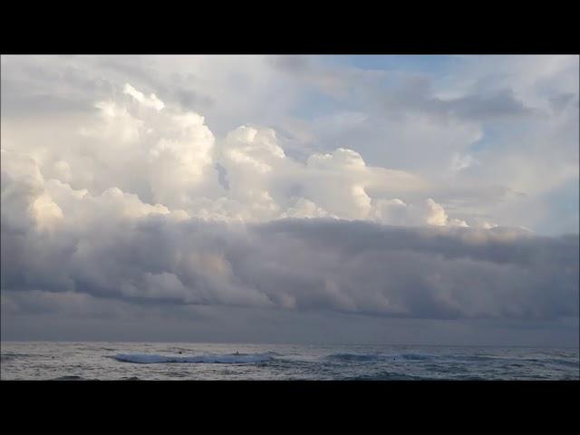 Grans núvols davant de la costa central - El Prat - Setembre 2017
