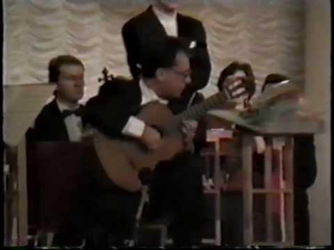 Pepe Romero: Recuerdos de la Alhambra ( Francisco Tarrega) ( live in Moscow 1991)