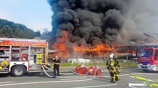 [Riesige Rauchwolke]Großbrand Vollalarm Feuerwehr Ibbenbüren