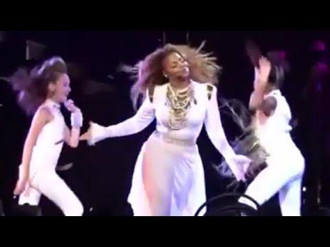 Janet Jackson and KynTay on unbreakable tour ,Taylor Hatala ,Kyndall Harris