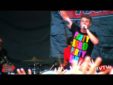 """3OH!3 - """"Double Vision"""" Live in HD! at Warped Tour 2010"""