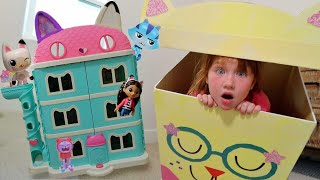 What's inside GABBY'S DOLLHOUSE!! Surprise Box for Adley and Niko! playing toys with our family 🐈
