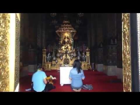 My visit to Wanaram Temple in Bangkok, Thailand.