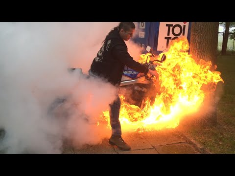 Motorcycle burnout, fire accident, oil duct malfunction. Palenie gumy razem z motocyklem.