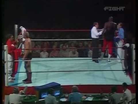 World Of Sport - Mississippi Mauler (Kamala) vs Ray Steele pt.1