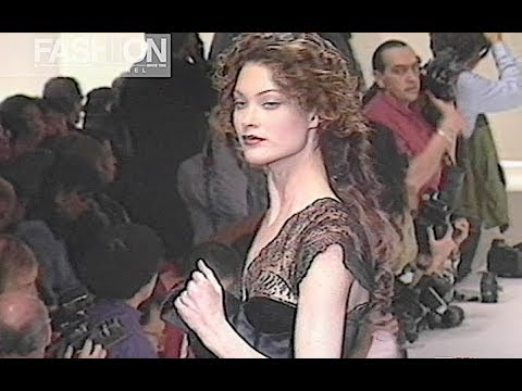 VALENTINO Fall 1993 Paris – Fashion Channel