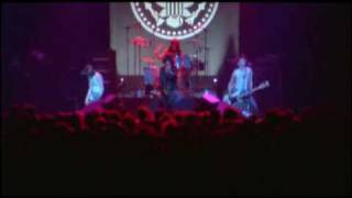 The Ramones - It's Alive (1977) - I don't wanna walk around with you