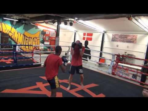 Træning hos Copenhagen Muay Thai 4 Juni 2014