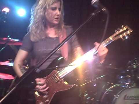 Kylesa (live) - Nature's Predators - 09-21-09