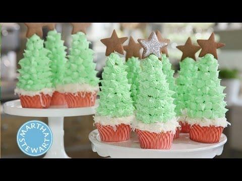 Christmas Cupcakes ⎢Martha Stewart - YouTube