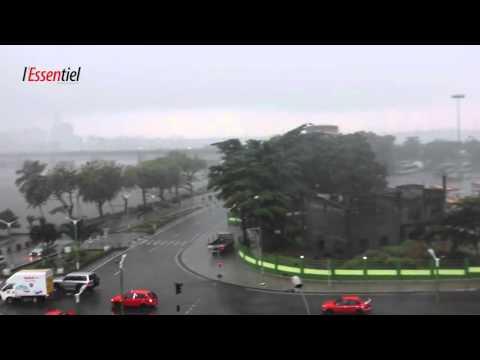 #Météo Abidjan, il pleut. Il pleut. Il pleut.