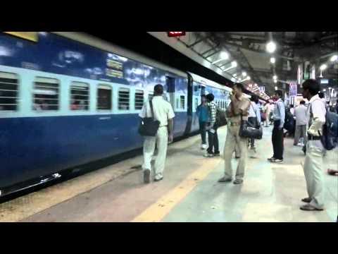 12801 Purushottam express arriving Allahabad Junction PF1