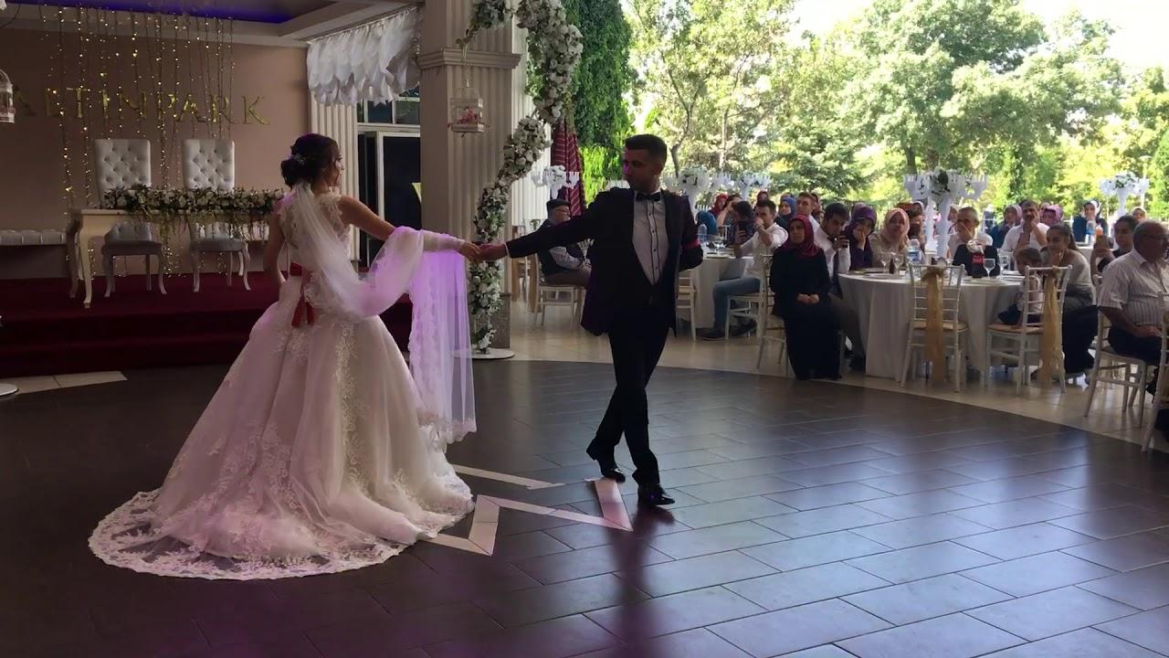 İlk Dans Fikrimin İnce Gülü
