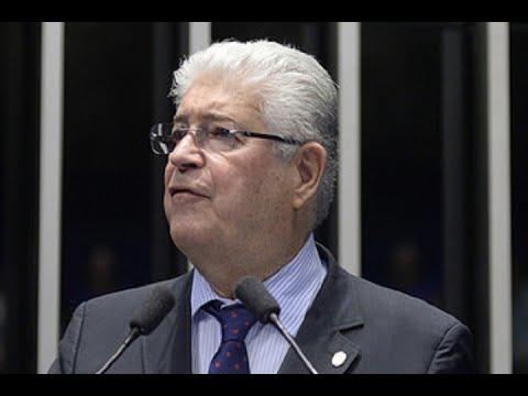 Roberto Requião critica condução da política fiscal do governo de Michel Temer