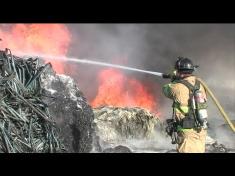 Firefighters Battle Huge Fire At A Factory In Modesto, California - Firefighting Footage