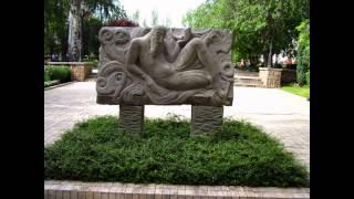 Красивые памятники и цветы Донецка