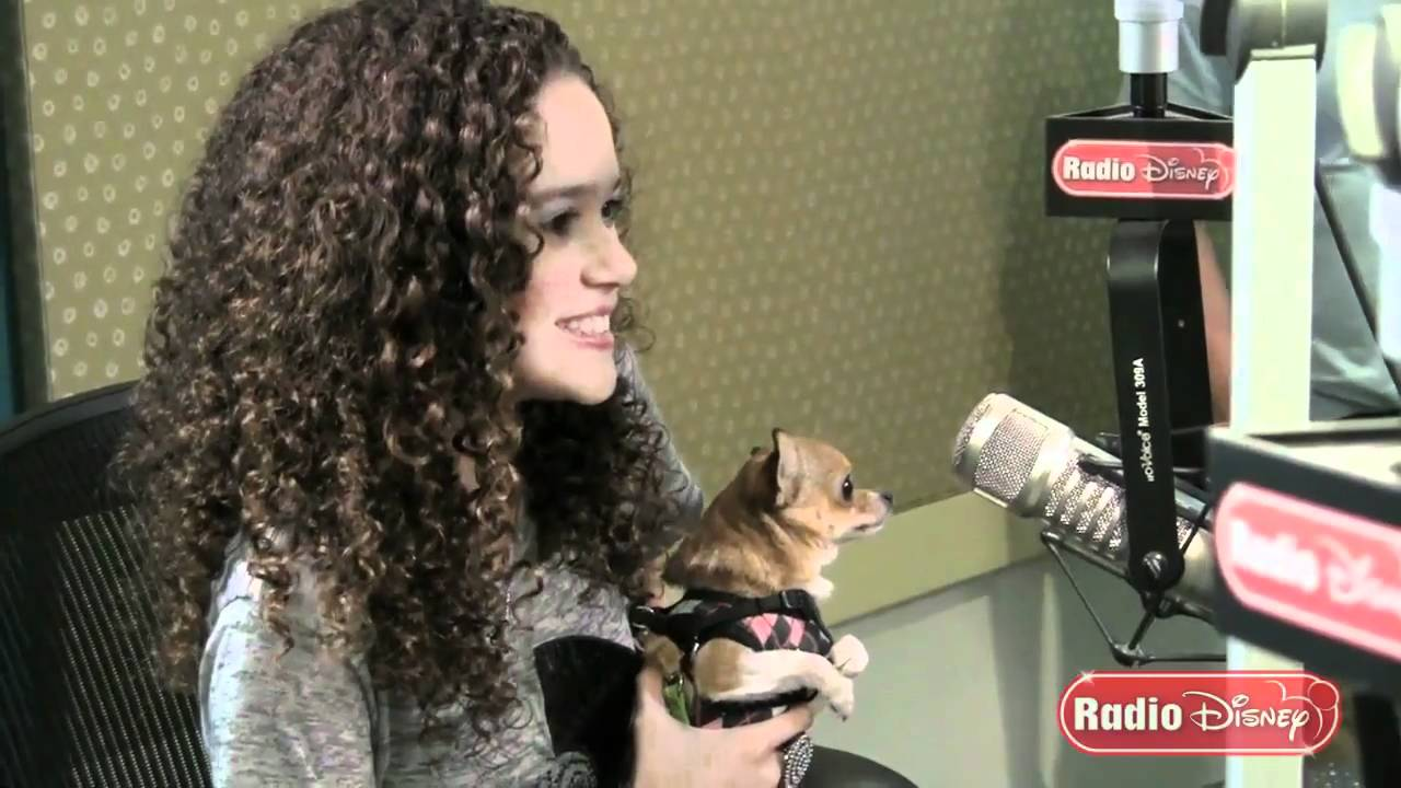 "Madison Pettis Meets Lala from ""Beverly Hills Chihuahua 2 ..."