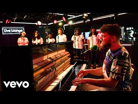 Jack Garratt - Friends (Francis And The Lights ft Bon Iver cover) in the Live Lounge