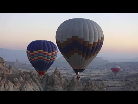 Top 8 Destinations for a Hot-Air Balloon Ride