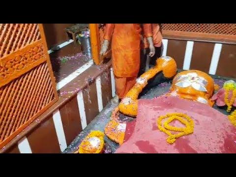 इलाहाबाद में मां गंगा ने बड़े हनुमान जी को कराया स्नान,Bade Hanuman Ji Allahabad covered by Ganga