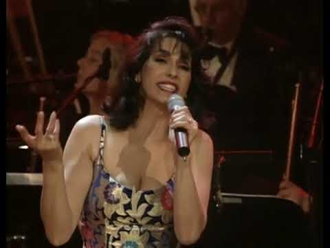 Laura Figi Live Royal Theatre Carre - 09.For Me, Formidable