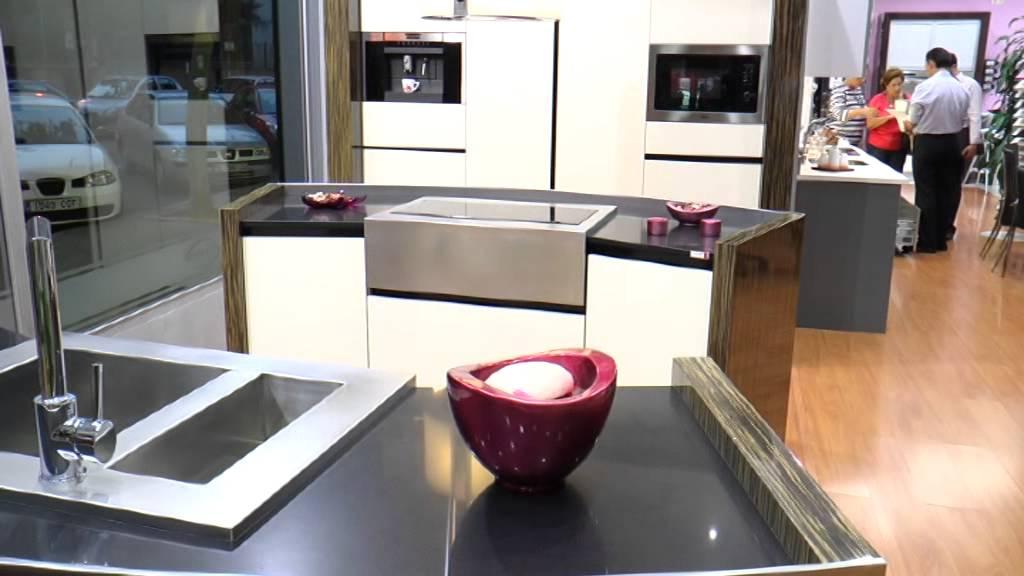 Di`como - Tu tienda de muebles de cocina en Sevilla - YouTube