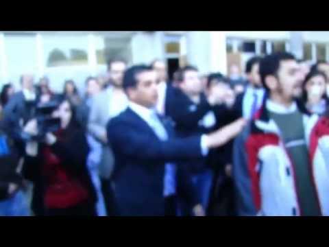 Ricardo Lagos recibe insultos de estudiantes en Viña del Mar