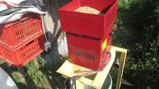 видео Измельчитель зерна ИЗ-15М НИВА