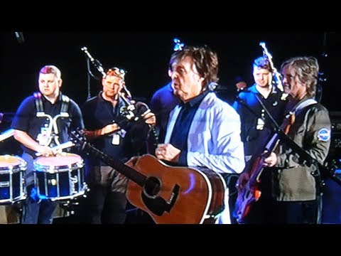 Paul McCartney rehearsing 'Mull Of Kintyre' at nib Stadium, Perth in December 2017