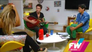Rodrigo Guirao Diaz tocando la guitarra en FWenVivo!