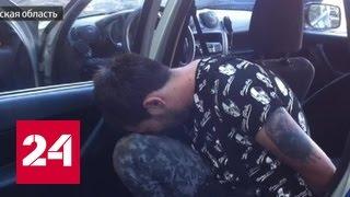 В Тамбове неадекватный водитель протащил на капоте полицейского