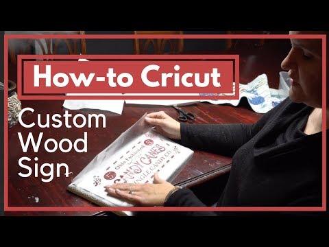 How to Make a Wood Sign with a Cricut - Christmas Craft Tutorial | Homesteadhow.com